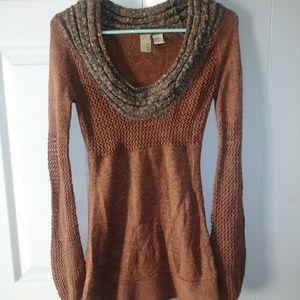 Super cute sweater shirt! Ready for fall